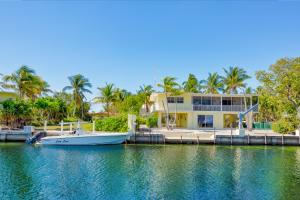 217  Gulfview Drive  For Sale, MLS 584430