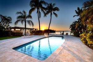 400 S Coconut Palm Boulevard  For Sale, MLS 584949