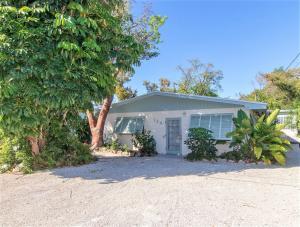 124 S Hammock Road  For Sale, MLS 585346
