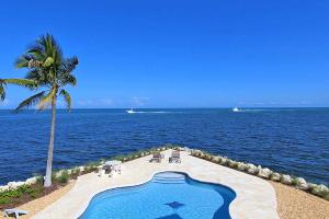 83  Seagate Boulevard  For Sale, MLS 585490