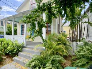 732  Windsor Lane  For Sale, MLS 585728