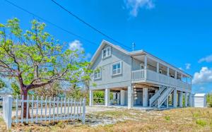 3646  Bahama Street  For Sale, MLS 585746