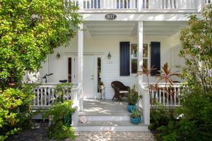 807  Washington Street 102 For Sale, MLS 585886