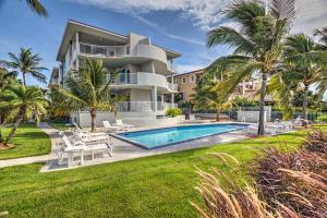 921 W Ocean Drive 3A For Sale, MLS 586492