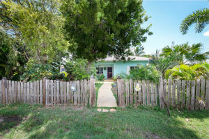 124  1St Road  For Sale, MLS 587129