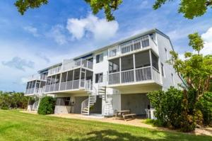 95  Coco Plum Drive 4D For Sale, MLS 587520