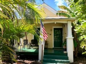 1108  Pearl Street  For Sale, MLS 587738