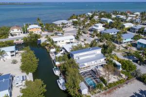 27397  Cayman Lane  For Sale, MLS 588017