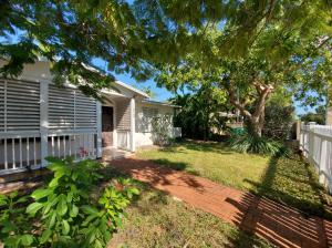 1613  Rose Street  For Sale, MLS 588416