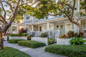 5040  Sunset Village Drive  For Sale, MLS 588584