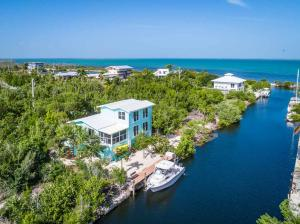 2083  Bahia Shores Road  For Sale, MLS 589387