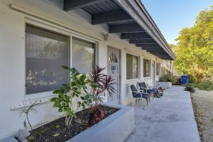 183/185  Casa Court Drive  For Sale, MLS 589305