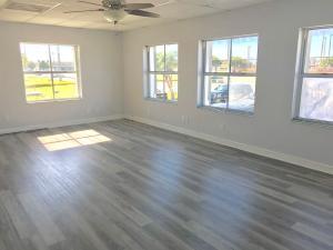 3152  Northside Drive L-C1 For Sale, MLS 589325