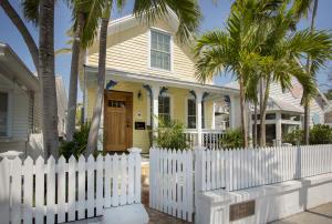 819  Whitehead Street  For Sale, MLS 589578