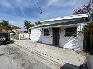 200  Truman Avenue  For Sale, MLS 589590