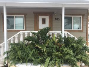 705  25Th Street  For Sale, MLS 589894