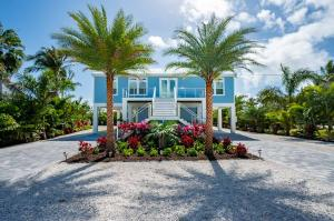 1561  Coral Court  For Sale, MLS 589767