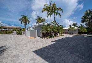 921 W Ocean Drive 2B For Sale, MLS 592112