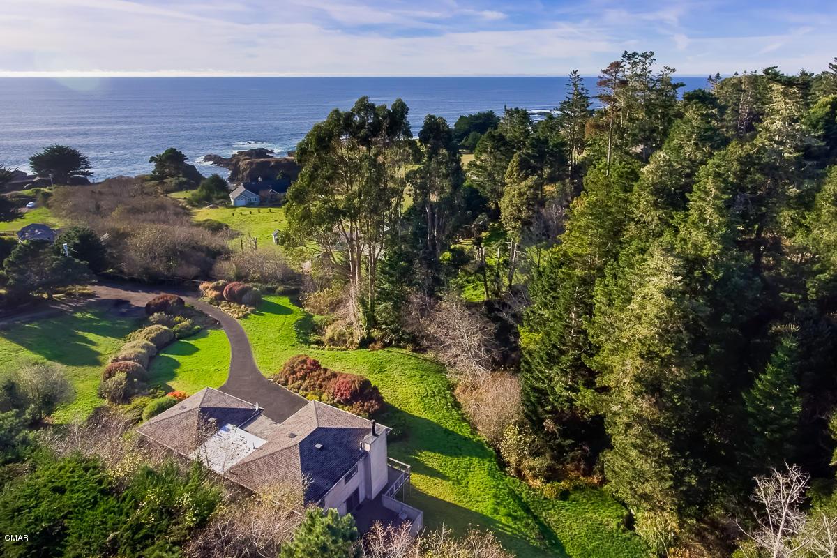 独户住宅 为 销售 在 13120 Pomo Lane Mendocino, 加利福尼亚州 95460 美国