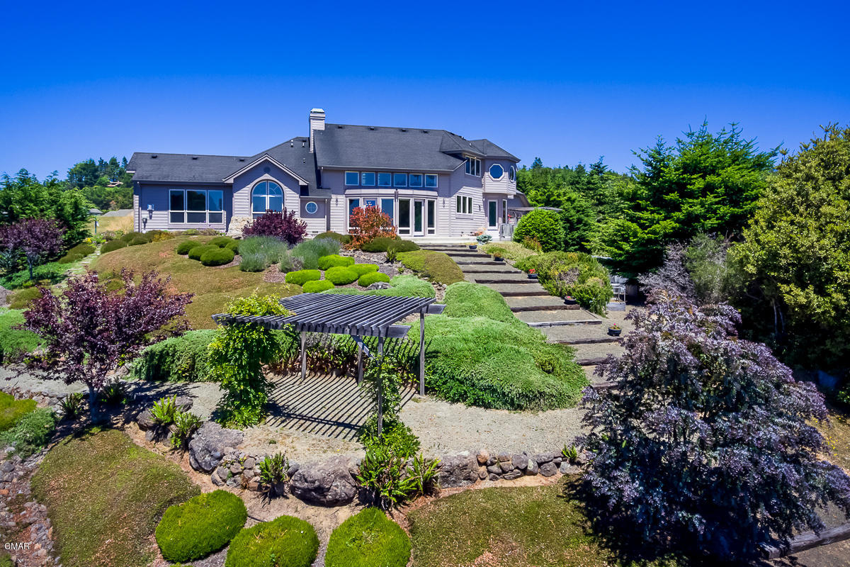 Single Family Home for Sale at 44781 Baywood Drive 44781 Baywood Drive Mendocino, California 95460 United States