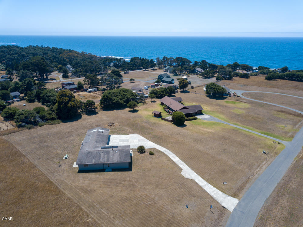 Additional photo for property listing at 34351 Sunset Way Fort Bragg, California 95437 Estados Unidos