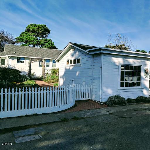 Casa Unifamiliar por un Venta en 44920/30 Ukiah Street 44920/30 Ukiah Street Mendocino, California 95460 Estados Unidos