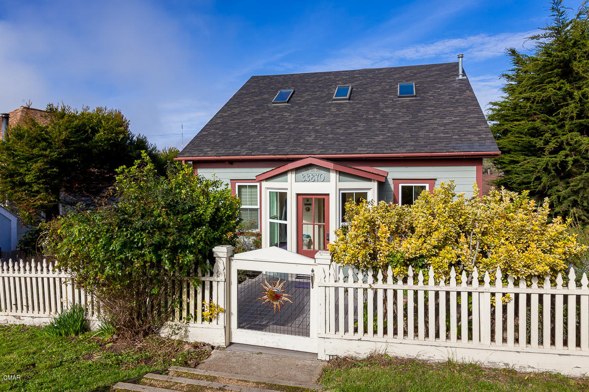 Single Family Home for Sale at 33870 Albion Street 33870 Albion Street Albion, California 95410 United States