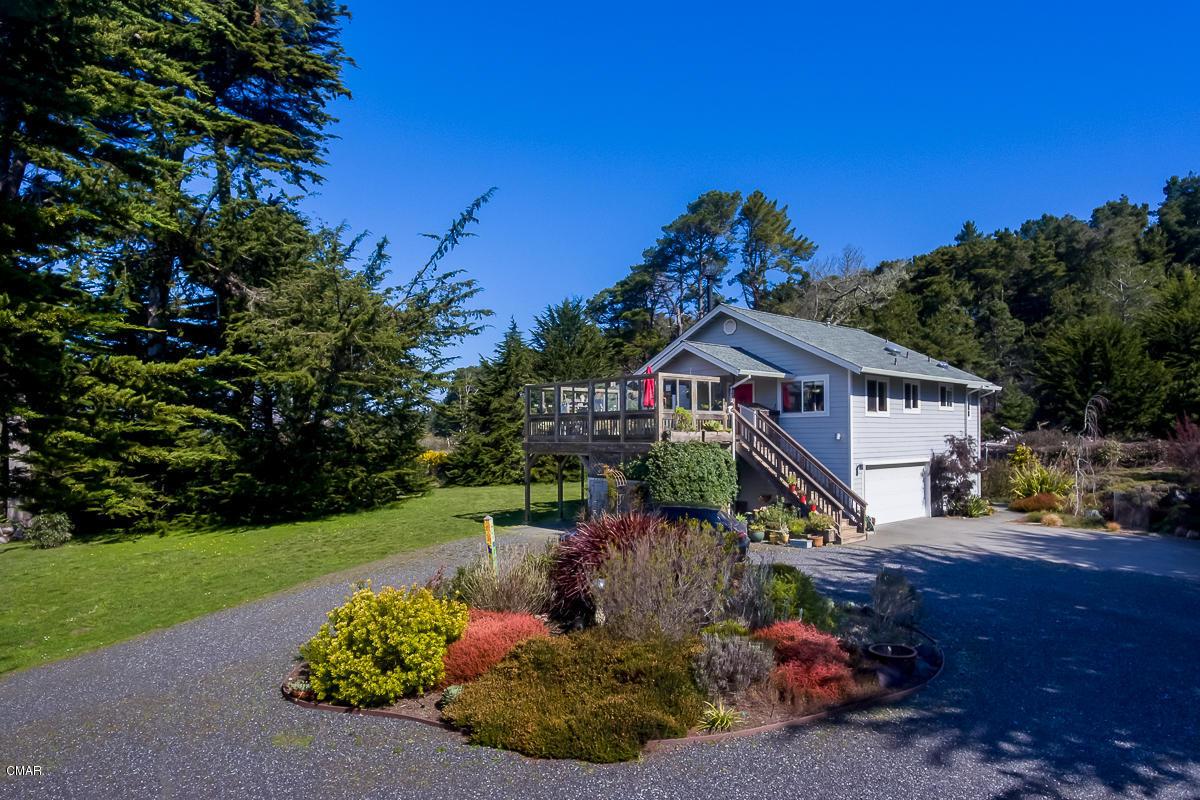 Casa Unifamiliar por un Venta en 15261 Caspar Road Caspar, California 95420 Estados Unidos