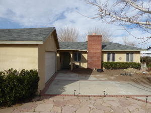 Property for sale at 4329 Avenue L2, Lancaster,  CA 93536