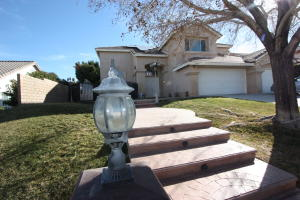 Property for sale at 7342 Round Hill Drive, Lancaster,  CA 93536