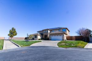 Property for sale at 40942 Oakgrove Court, Palmdale,  CA 93551