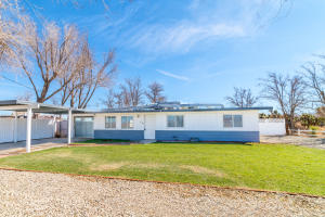 Property for sale at 43538 W 52nd Street, Quartz Hill,  CA 93536