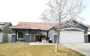 Property for sale at 45645 Knightsbridge Street, Lancaster,  CA 93534