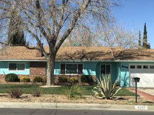 Property for sale at 42127 W 52nd Street, Quartz Hill,  CA 93536