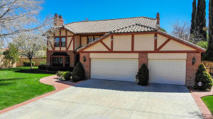 Property for sale at 2704 Brentwood Drive, Lancaster,  CA 93536