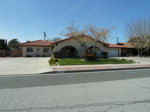Property for sale at 44635 Loneoak Avenue, Lancaster,  CA 93534