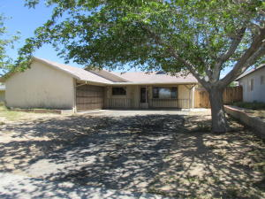 Property for sale at 38866 Deer Run Road, Palmdale,  CA 93551