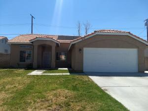 Property for sale at 38938 Dianron Road, Palmdale,  CA 93551