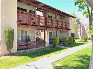 Property for sale at 2040 W Avenue J13 Avenue Unit: Apt 34, Lancaster,  CA 93536