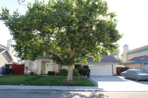 Property for sale at 38121 Ranier Drive, Palmdale,  CA 93552