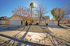 Property for sale at 2038 Comstock Court, Palmdale,  CA 93551