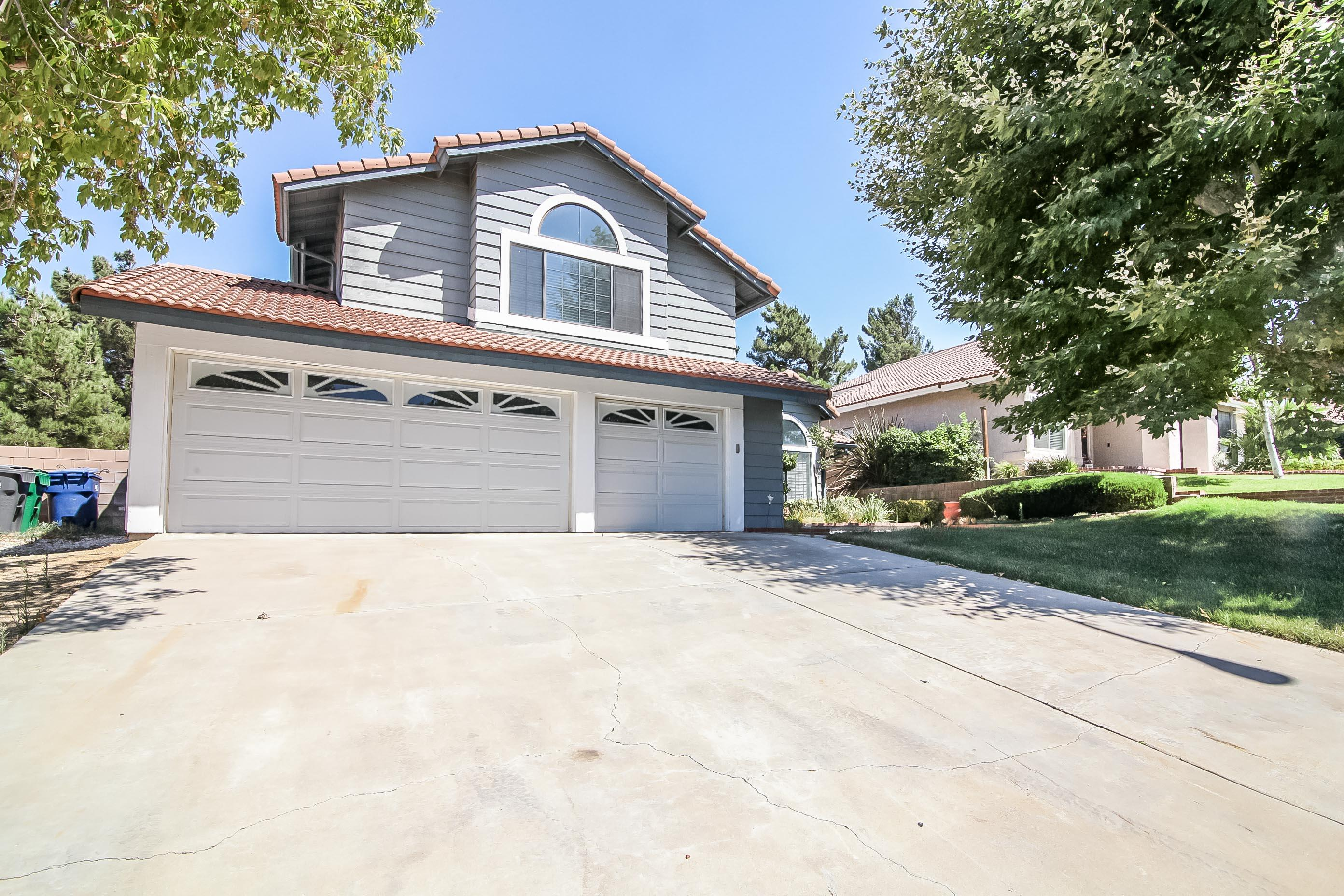 40534  Via Verdad,, Palmdale, California