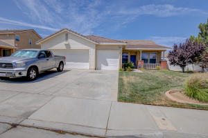 Property for sale at 42341 Ridge View Drive, Lancaster,  CA 93536
