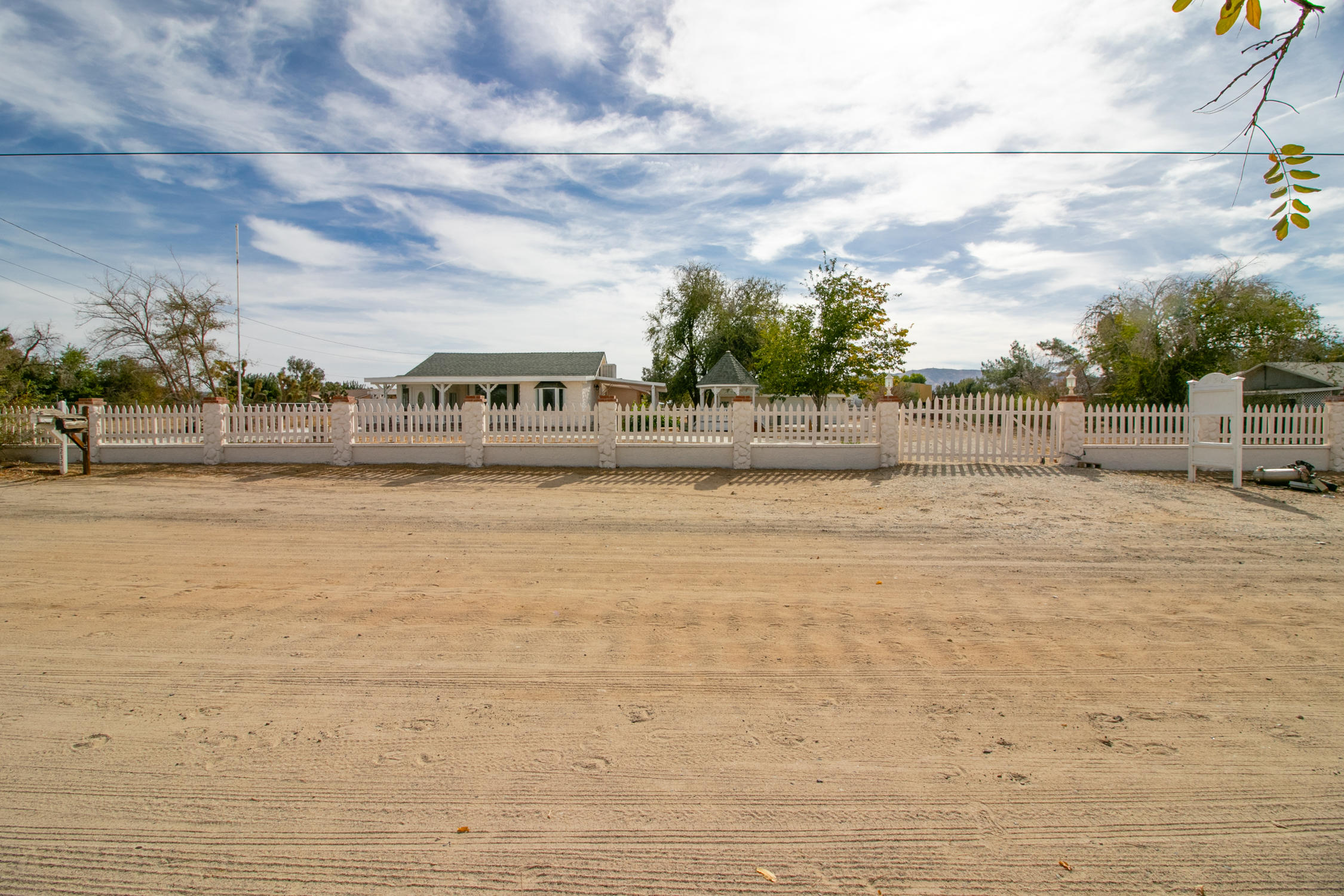 2232 W Avenue M4, Palmdale, California