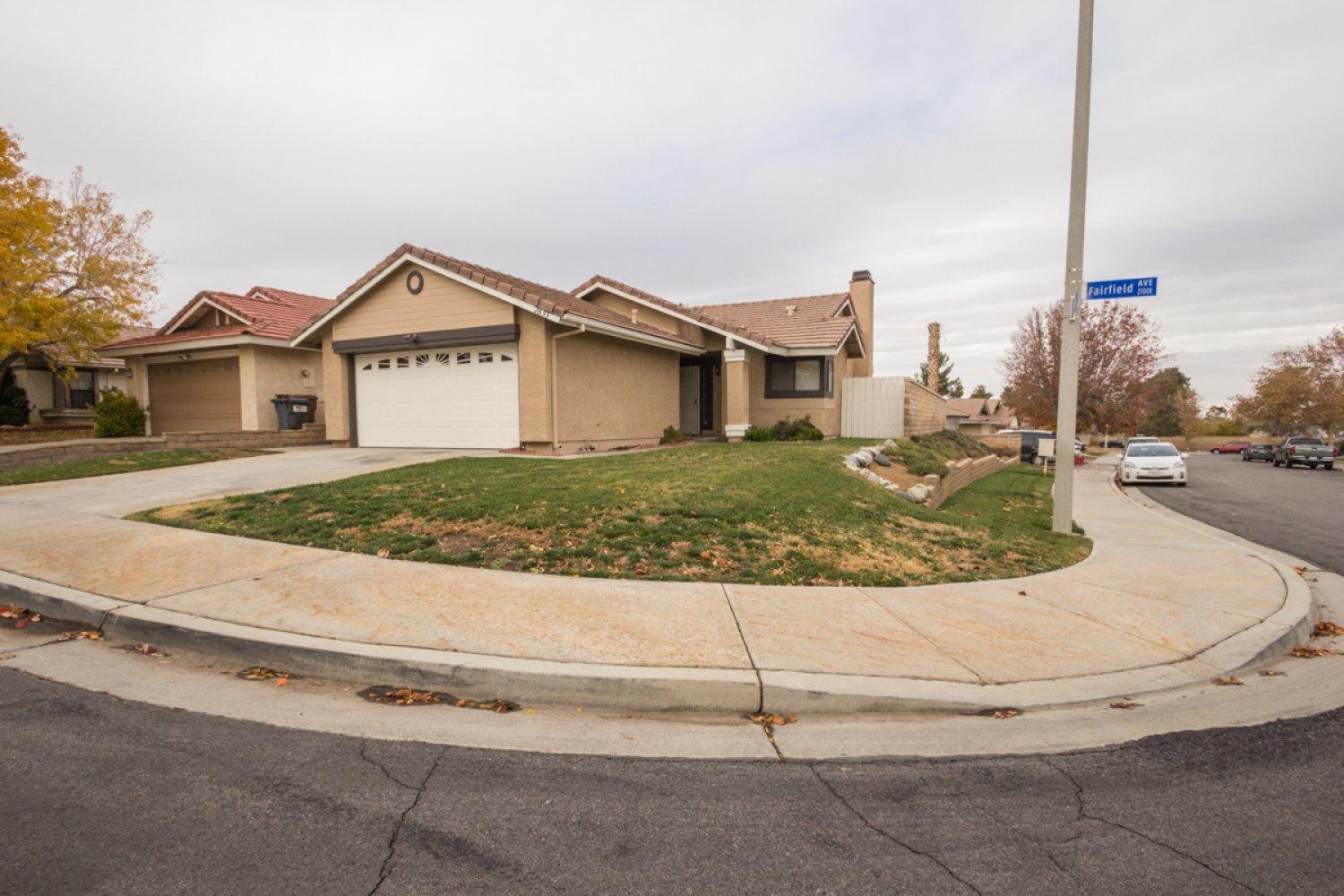 2653  Fairfield Avenue, Palmdale in Los Angeles County, CA 93550 Home for Sale