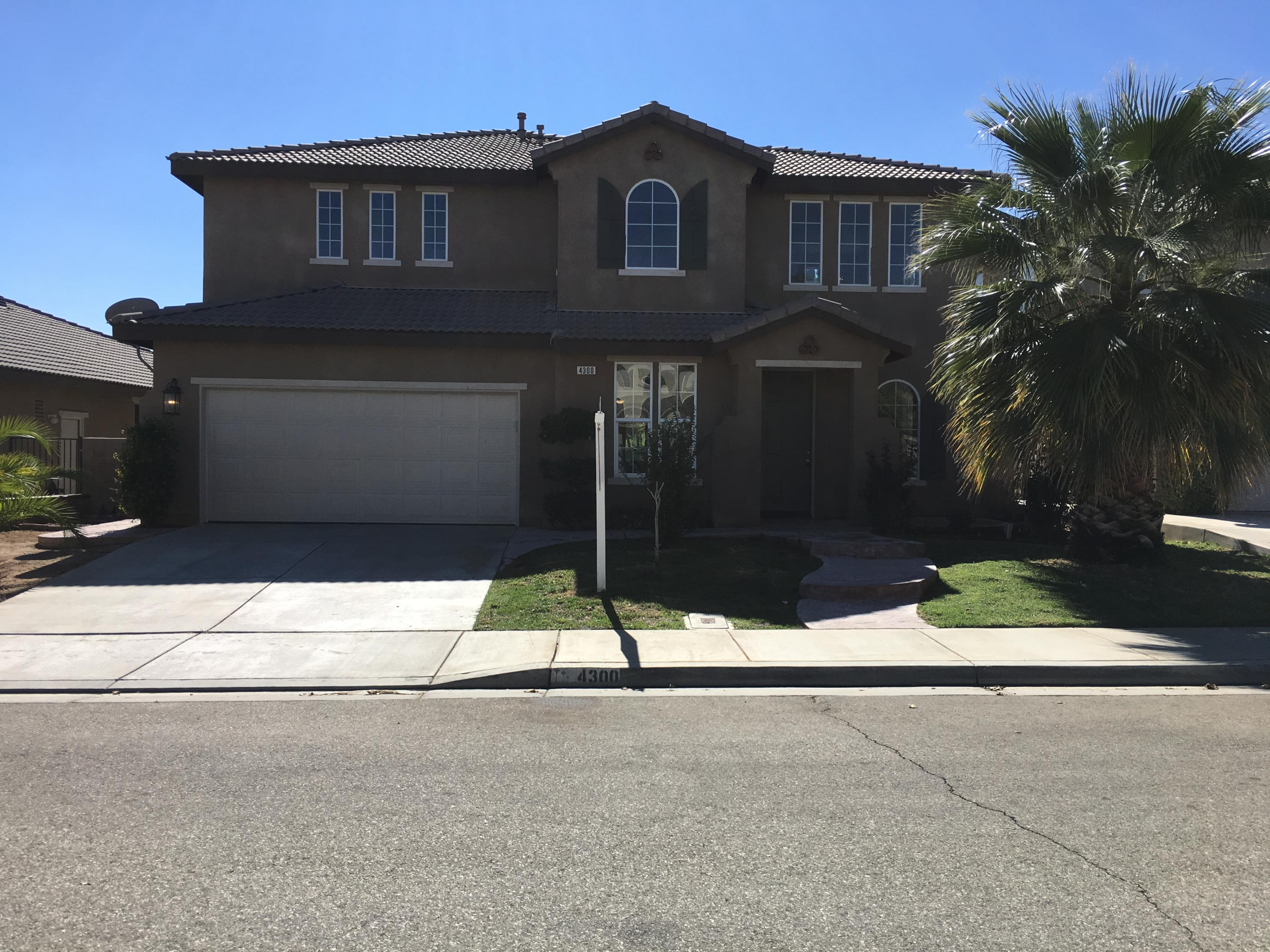 4300  Club Vista Drive, Palmdale, California