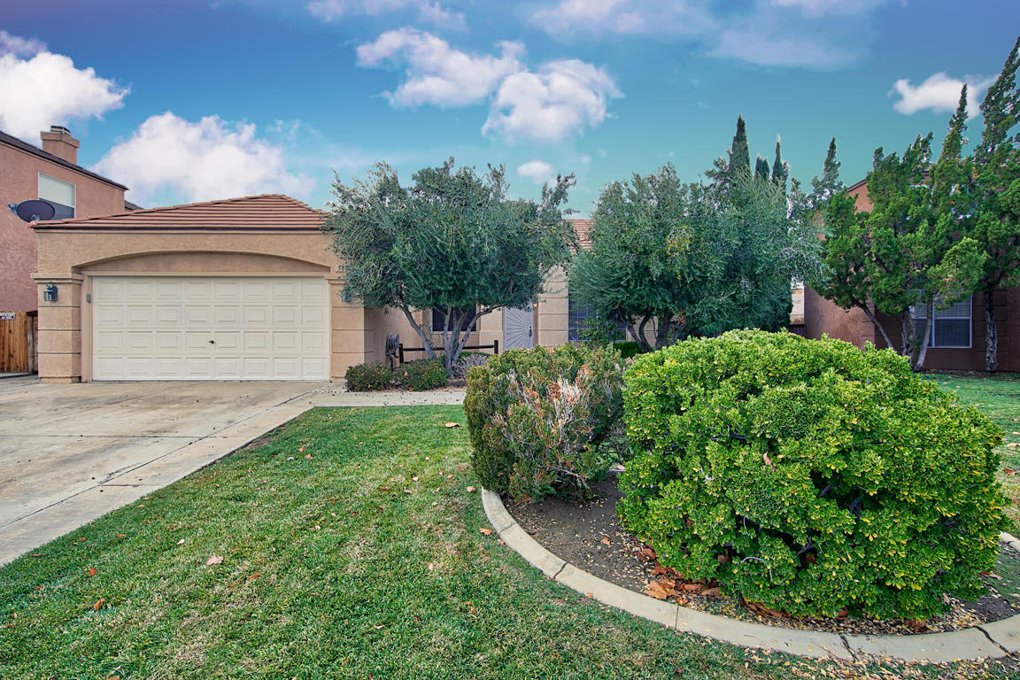 38873  Barrington Street, Palmdale in Los Angeles County, CA 93551 Home for Sale