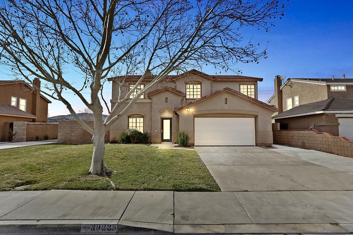 39225  Raphael Lane Lane, Palmdale, California