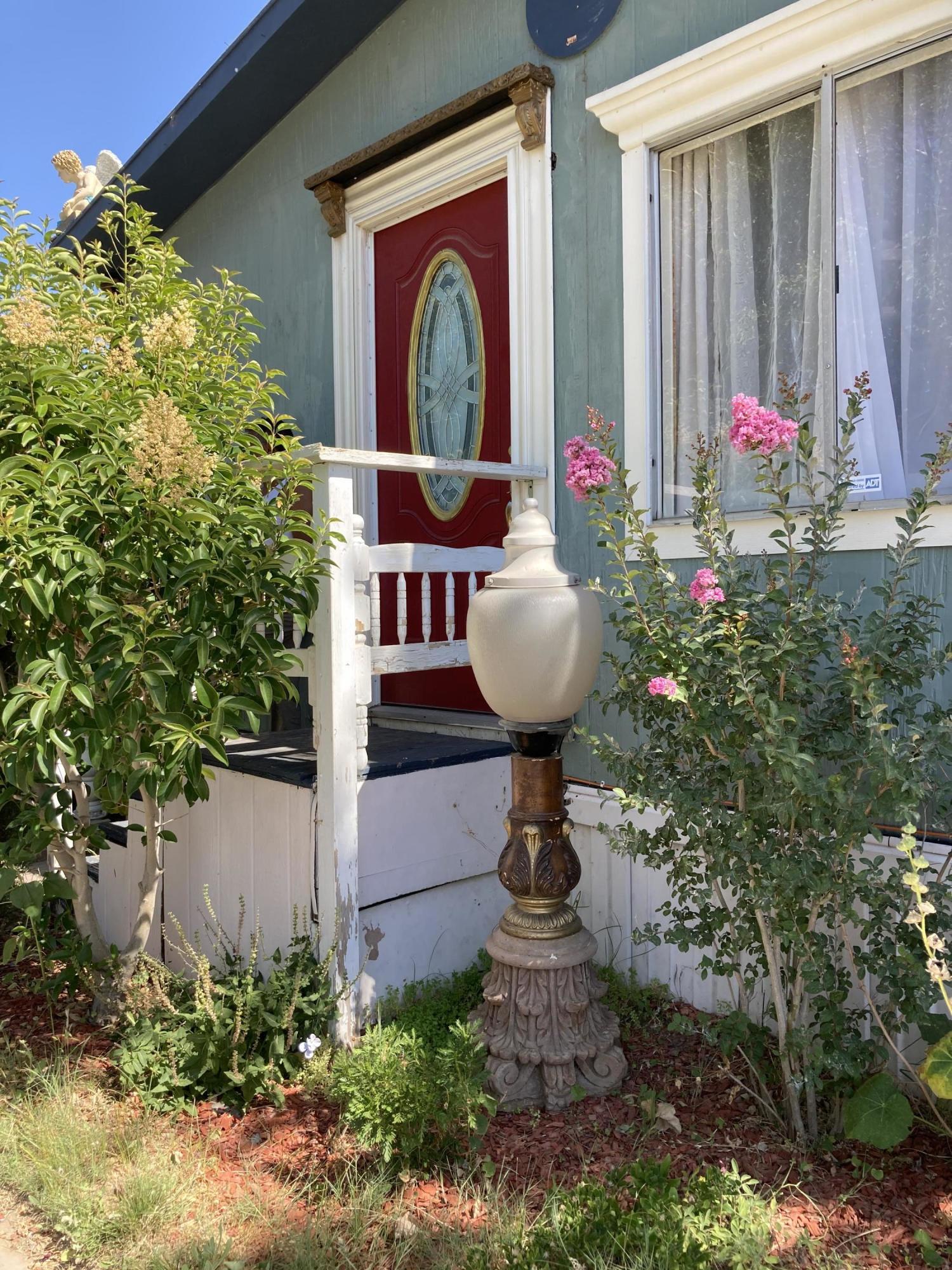 1301 E Avenue I, Lancaster in Los Angeles County, CA 93535 Home for Sale