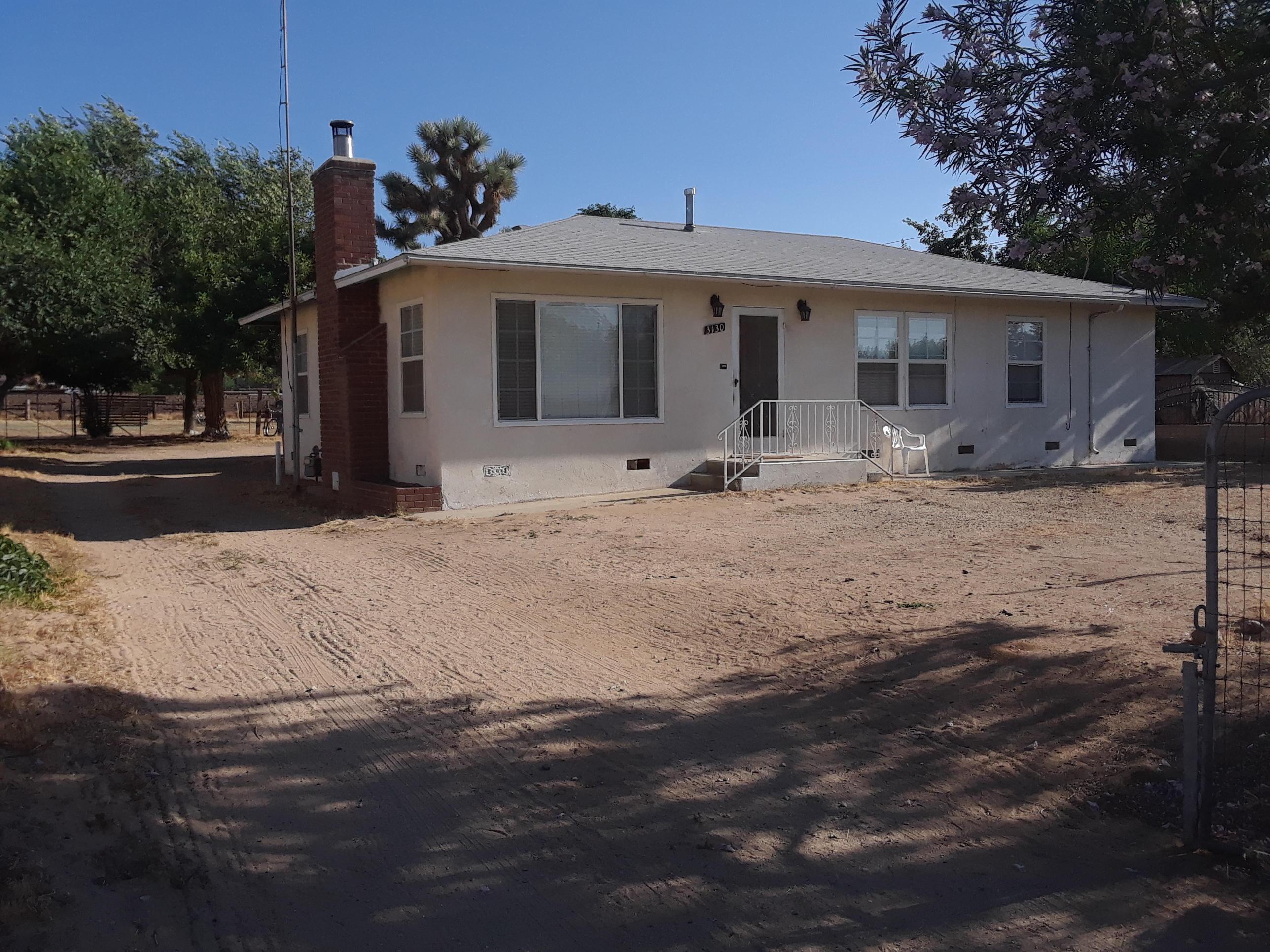 3130 W Ave L-2, Lancaster, California